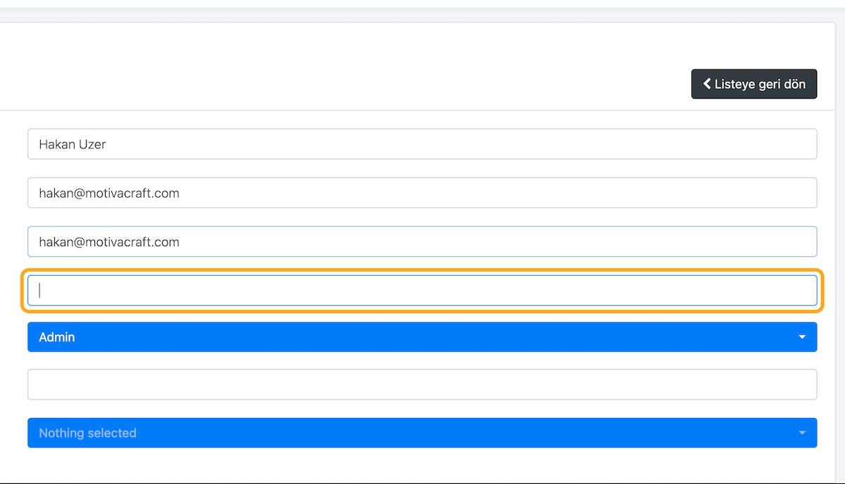 Eğer kullanıcının e-posta adresini girdiyseniz, sistem kullanıcı adı önerisi olarak e-posta adresini otomatik olarak Kullanıcı adı alanına girer. Kullanıcı adını istediğiniz gibi değiştirebilirsiniz.